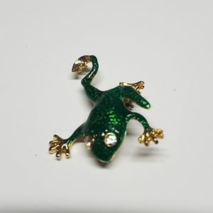 VTG green enamel look frog brooch w/crystal eyes